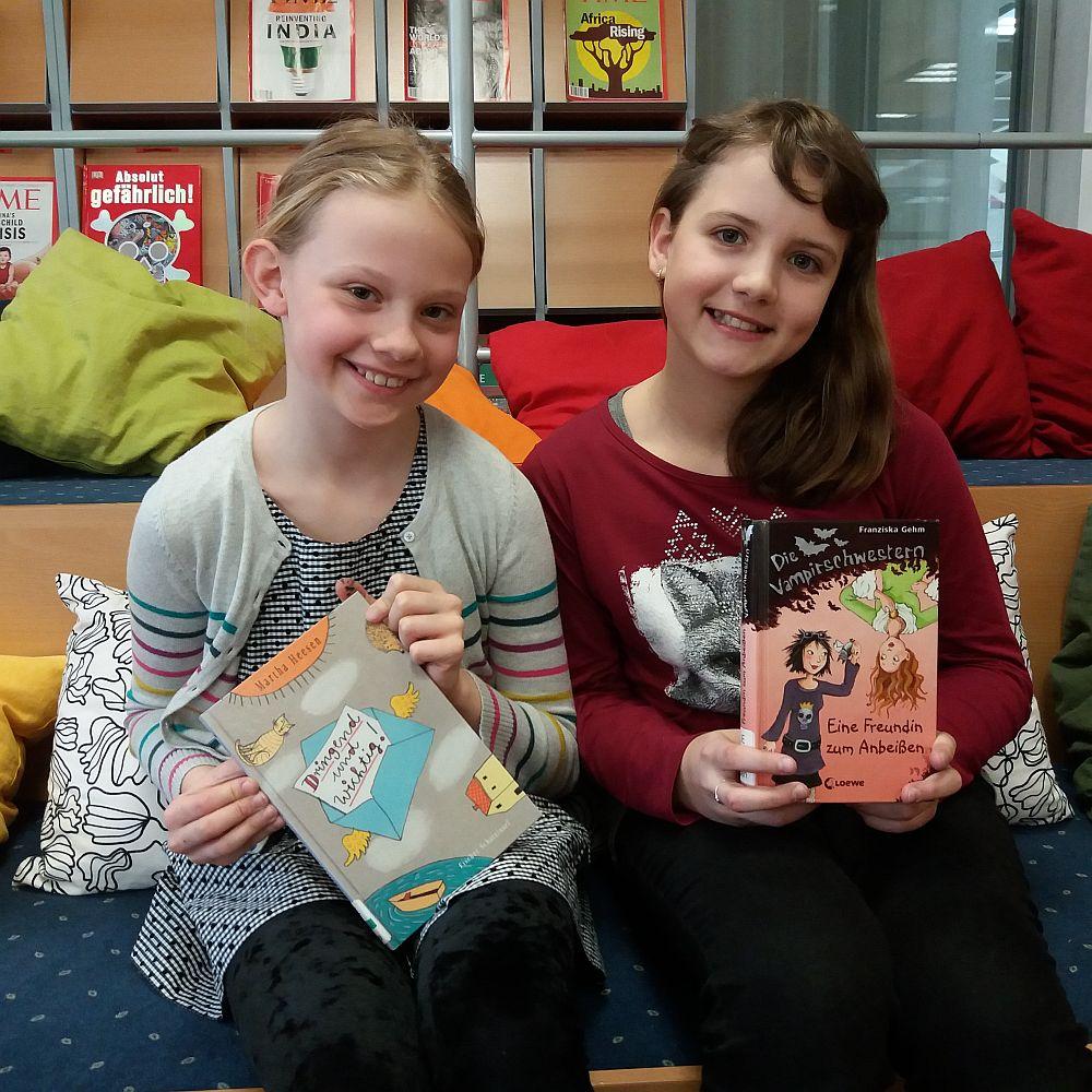 Schulbibliothek, Team BRG 1E: Monika und Sophia   BRG Wörgl