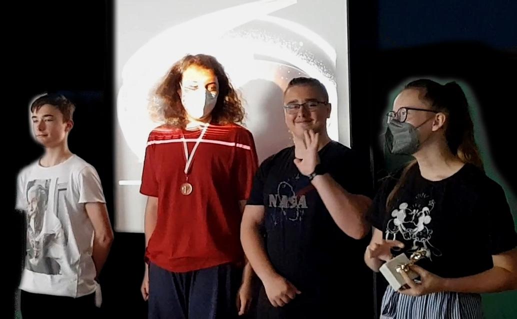 ME | Oscar | Julia würdigt Preisträger der 5B - Tobias, Florian und Milos | BRG Wörgl